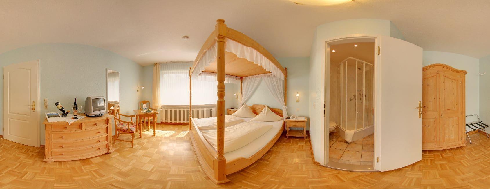 Himmelbetten in der Moselpension Villa Tummelchen