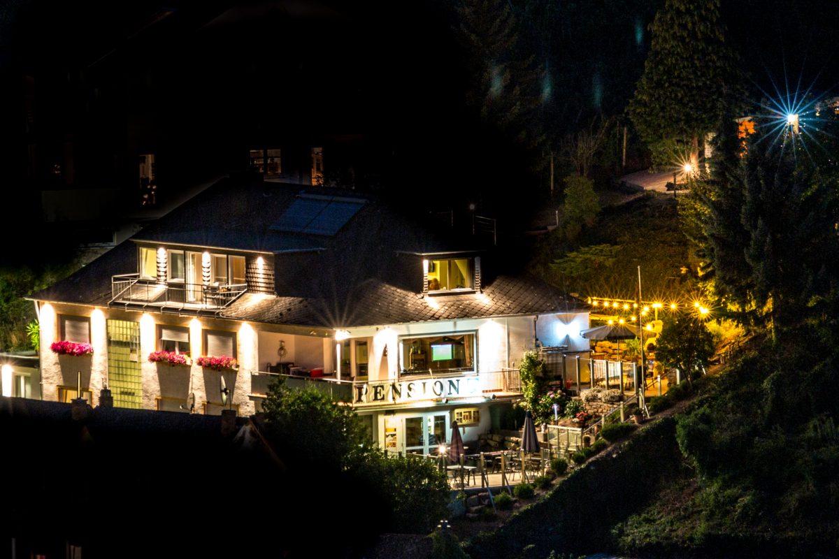 Villa Tummelchen Hotel Pension in Cochem an der Mosel bei Nacht